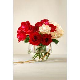 Attractive_Flower_Vase