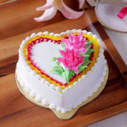 Heart_Shaped_Vanilla_Cake