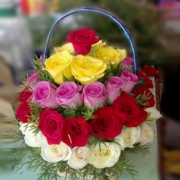 Mixed_Roses_Basket