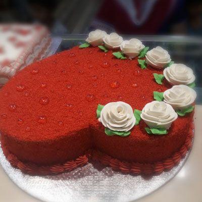 Attractive_Red_Velvet_cake